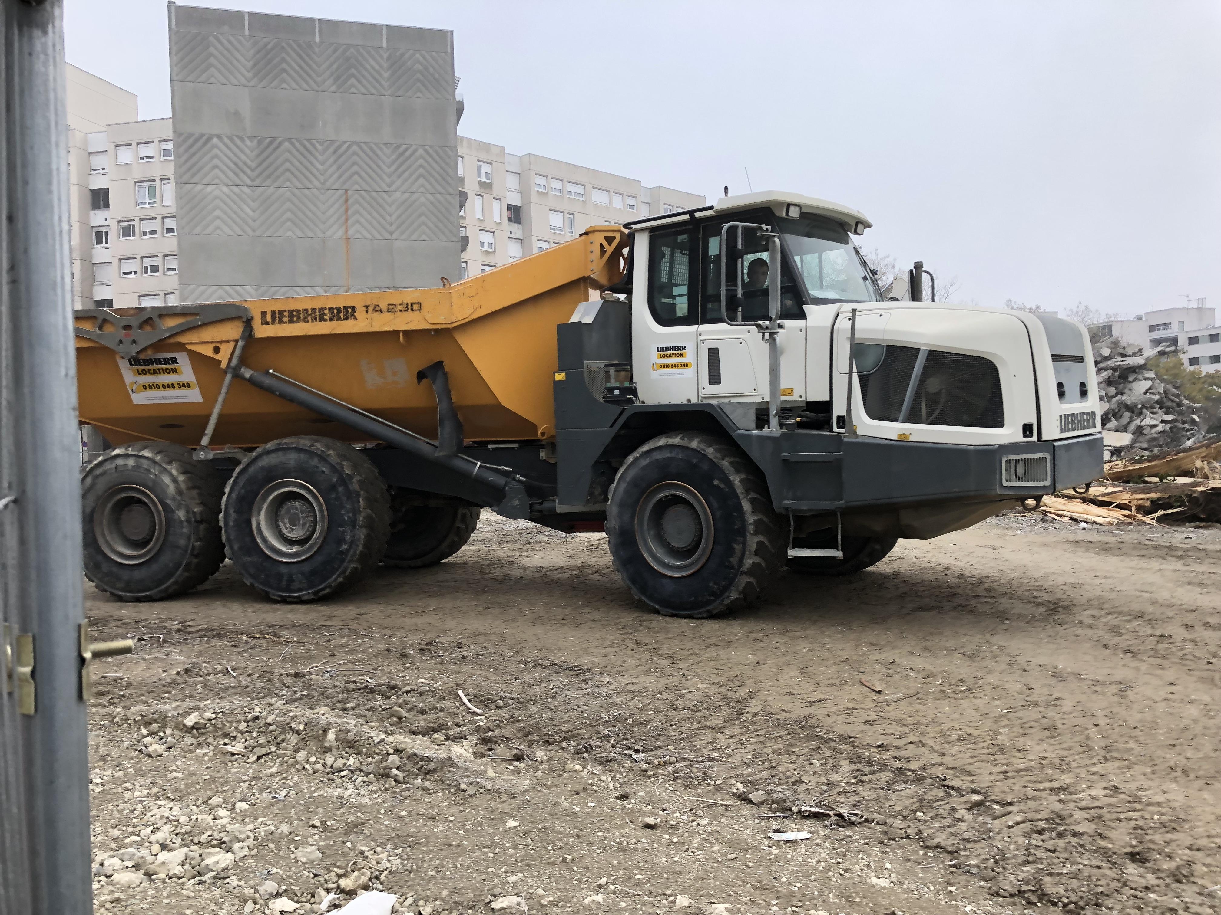 Brtp location de camions bennes et engins de chantier avec chauffeurs - Location camion grenoble ...